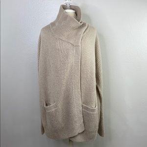 Abercrombie & Fitch tan sweater cardigan, s, NWT